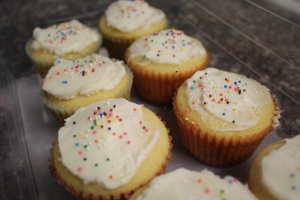 Simple Lemon Cupcakes
