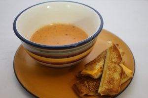 Easy Tomato Soup and Grilled Cheese Dippers