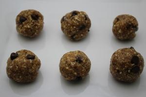 No Bake Vegan Cookie Dough Balls